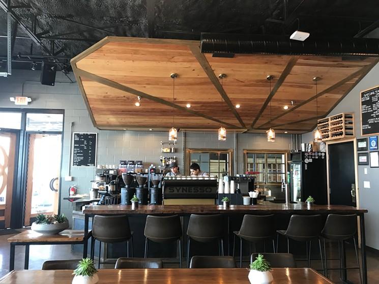[تصویر:  Panisse-Coffee-shop.jpg]